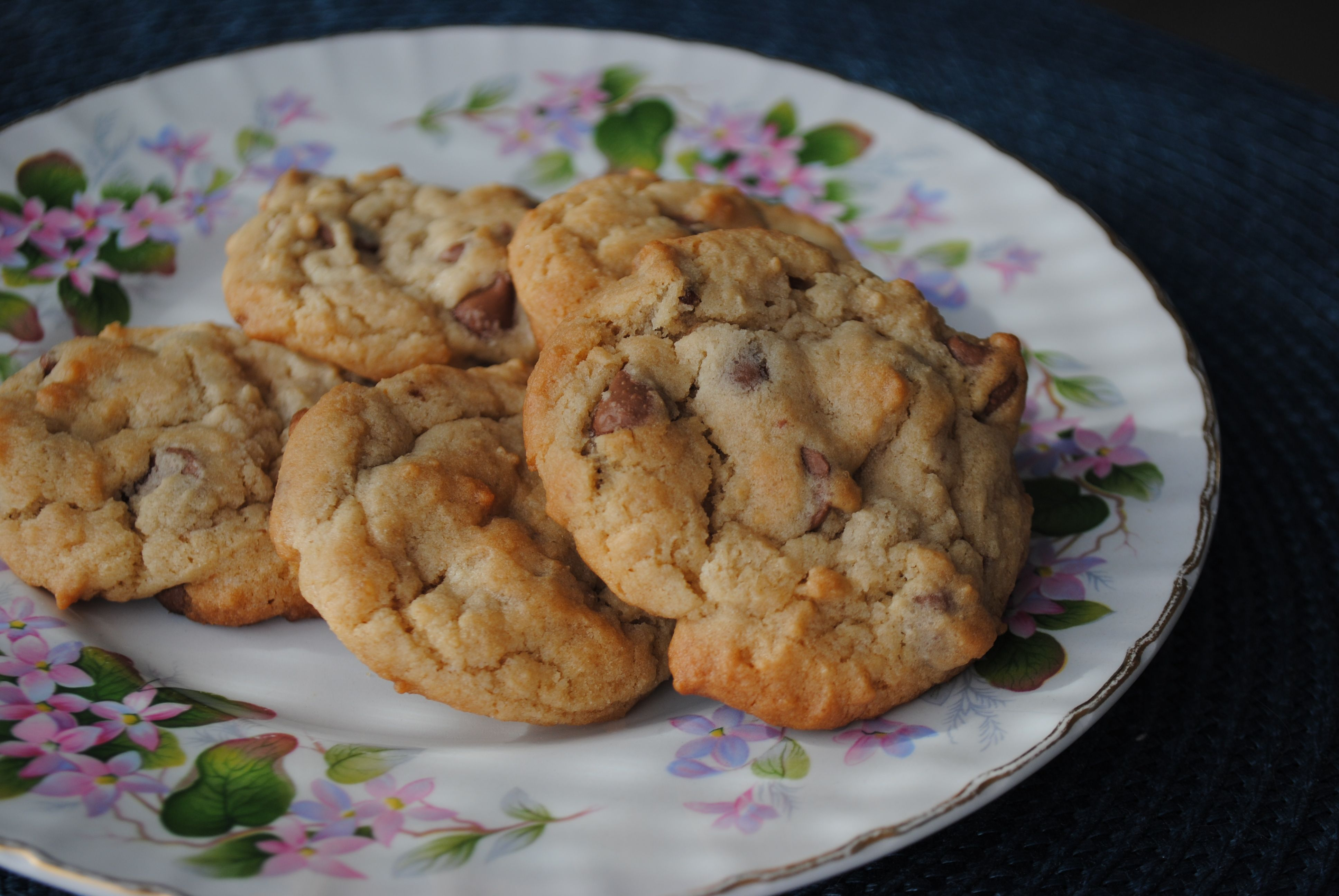 The Ultimate Chocolate Chip Cookies | Cat Can Cook